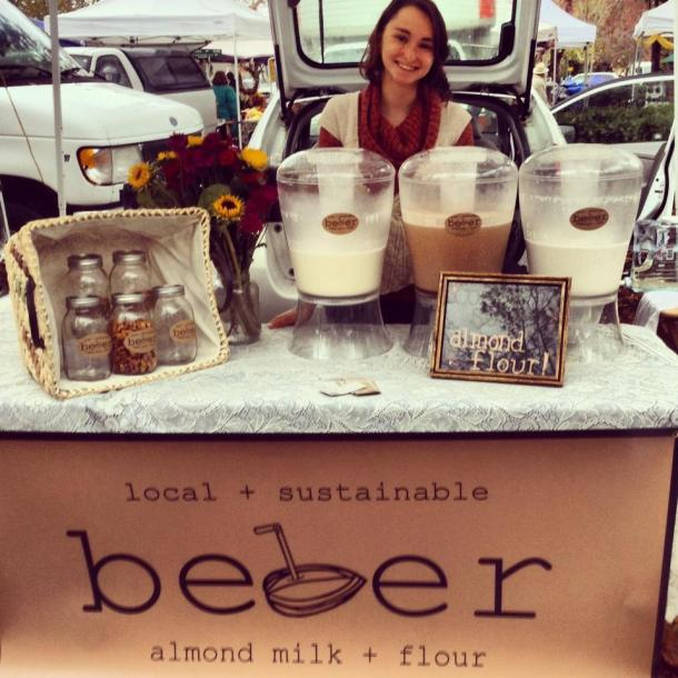 Arielle 2, beber almond milk