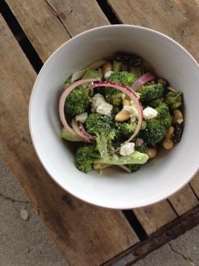 Curry-Cashew Broccoli Salad